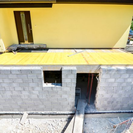 Photo d'une extension de maison en construction